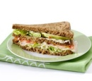 Sandwich_met_kipfilet_avocado_en_tomaat_met_Hollandse_sla_recepten_vandaag