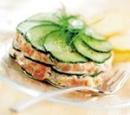 11 taartje van komkommer en gerookte zalm