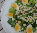 recepten_vandaag_caesar_salad_met_gerookte_kip_en_dressing
