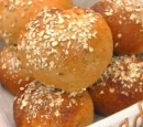 recepten_vandaag_broodjes_met_noten_en_rozijnen