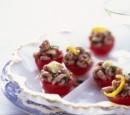 receptenvandaag_gevulde_tomaatjes_met_garnalen_in_dragonolie