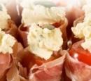 gevulde-cherry-tomaat-met-serranoham-en-pompoenpit-recepten-vandaag