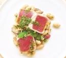 receptenvandaag gegrilde tonijn met witte bonen en salsa verde