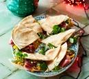 receptenvandaag flatbread met pompoenhummus en gerookte eend