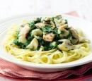 recepten vandaag pasta tagliatelle spinazie zalmsaus