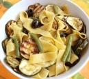 receptenvandaag pappardelle met boontjes en gegrilde courgette