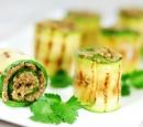 Courgetterolletjes-gevuld-met-groentegehakt