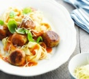 receptenvandaag Tonijnballetjes in tomatensaus