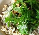 Paddenstoelenrisotto-met-rozemarijn-en-notensla-recepten-vandaag
