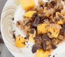 Griekse-yoghurt-met-geroosterde-bulgur-en-mango-recepten-vandaag