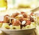 gehaktballetjes in tomatensaus met paprika en mozzarella
