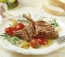 12 gegrilde lamskoteletjes met rozemarijn