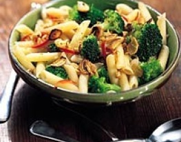 1 penne met broccoli, knoflook en walnoten