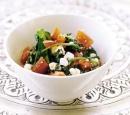 14 gestoofde spinazie met verse kaas (saag paneer)